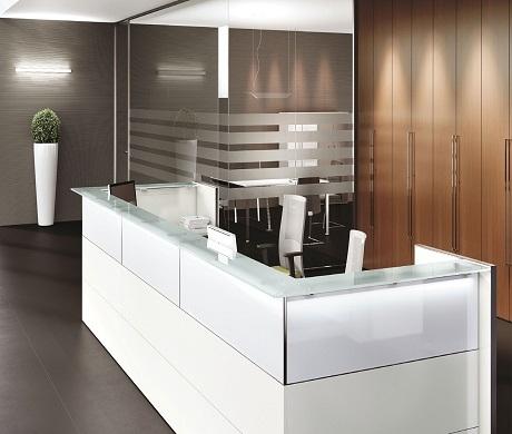 Nice reception arredamento ufficio scaffali e for Design ufficio srl